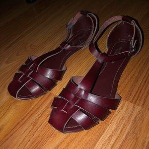 EUC American Eagle Burgundy Sandals
